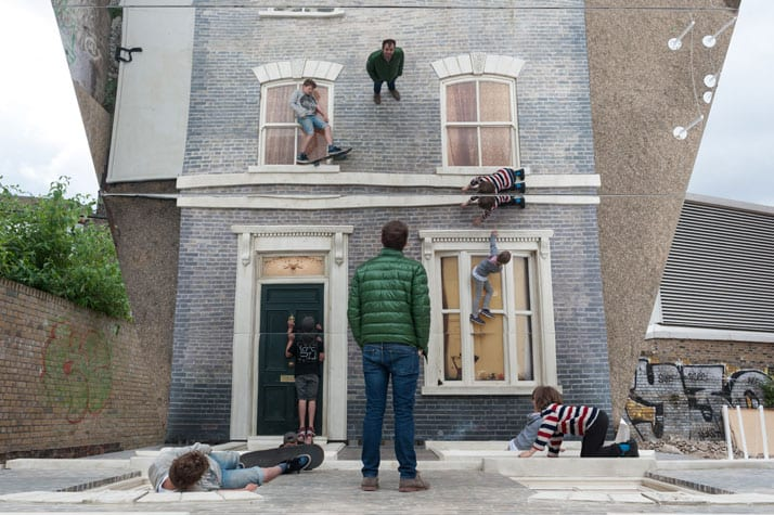 Leandro Erlich looks at his reflection Leandro Erlich: Dalston House Installation images © Gar Powell-Evans 2013 Courtesy of Barbican Art Gallery