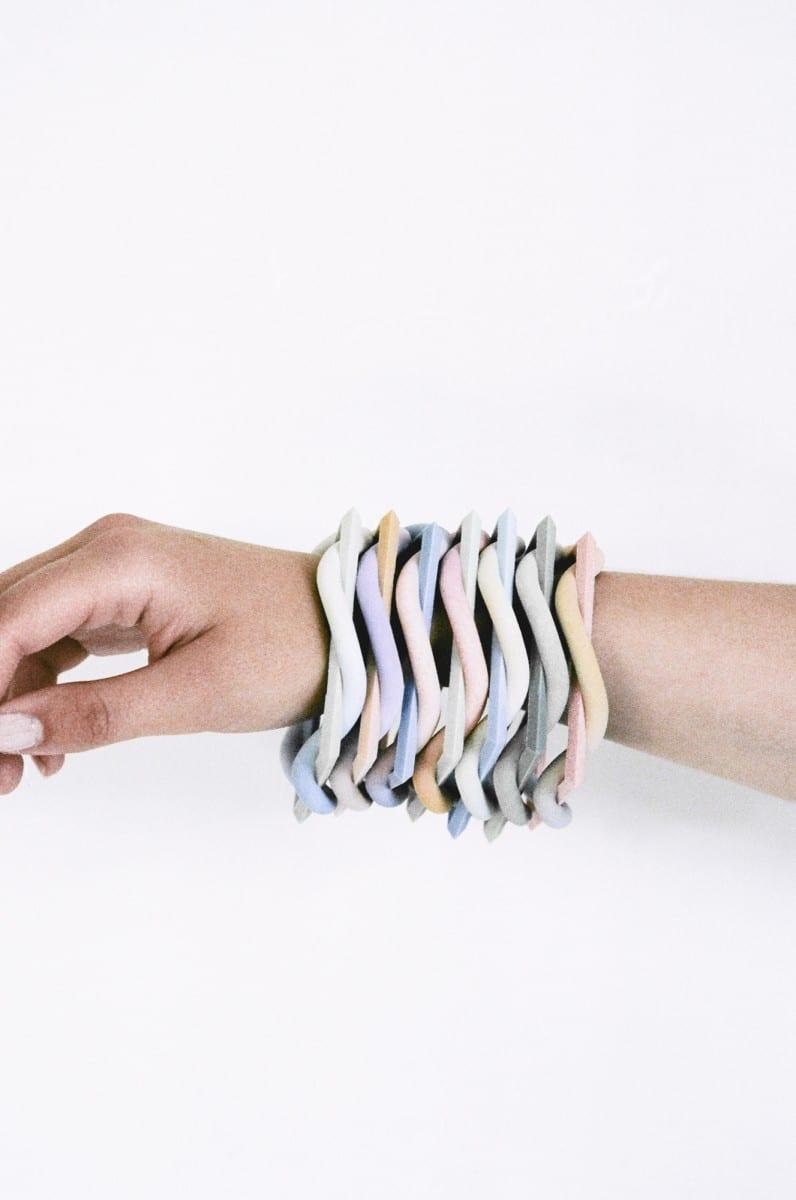 Maiko Gubler, Gradient Bangles, Frame,  3D-printed coloured gypsum, 2 x 8 x 8 cm, 2013 Photography Lena C. Emery