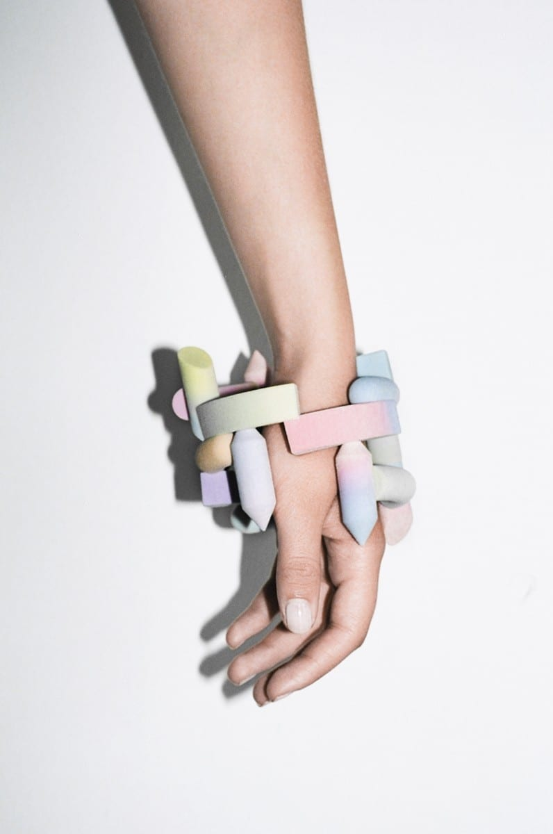 Maiko Gubler, Gradient Bangles, Limited Endless Edition Nº 01, 3D-printed coloured gypsum, 10 x 10 x 10 cm, 2013, Photography courtesy Lena C. Emery
