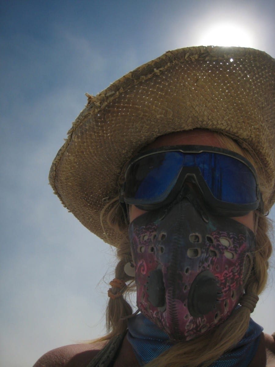 Kirsten Berg during construction of (In)Visible at Burning Man, 2013 ©Kirsten Berg