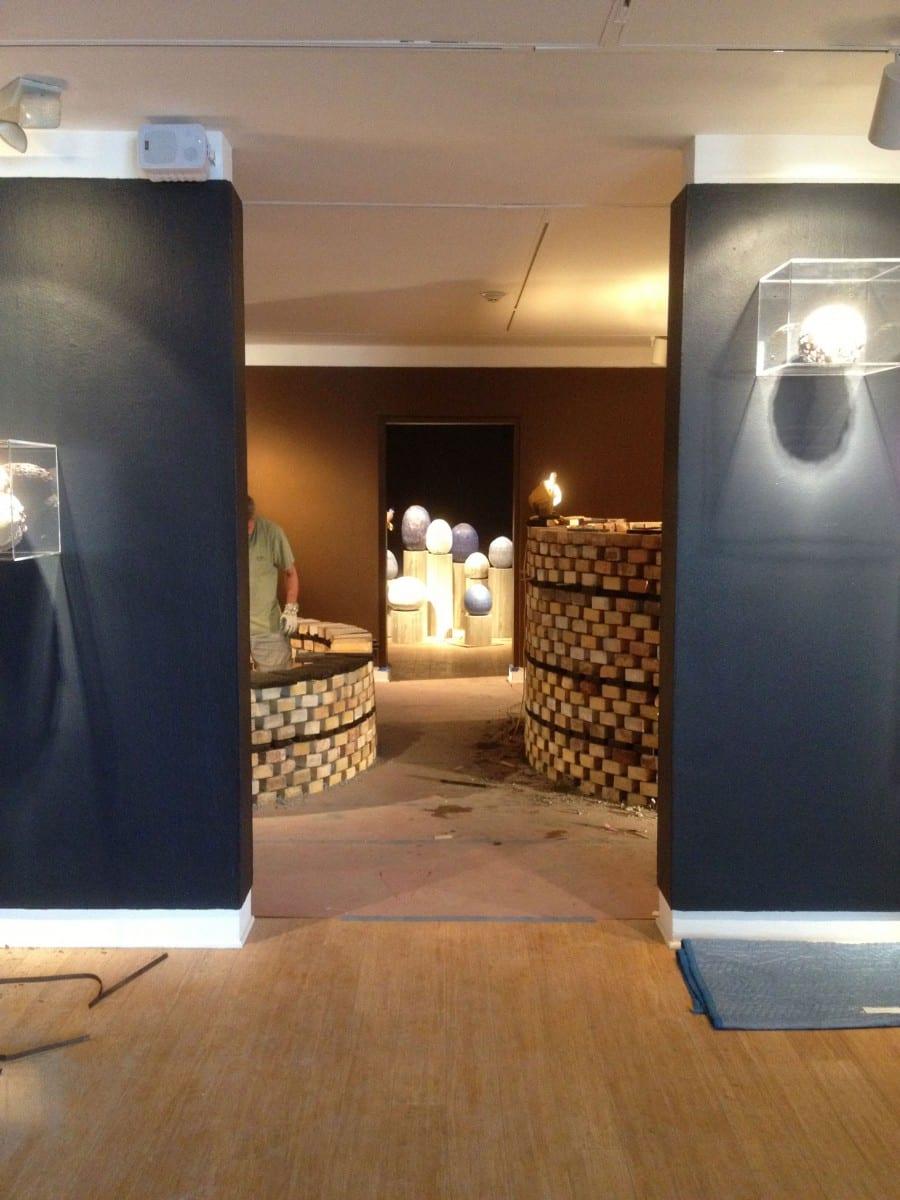 Laguna Art Museum installation process ©Laguna Art Museum
