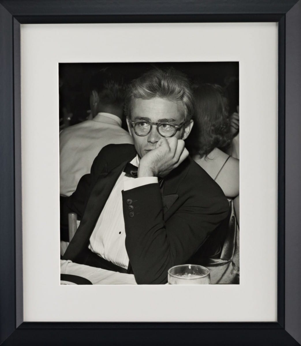Michael Ochs, James Dean, gelatin silver print on archival fiber paper, 1955 ©Ralph Lauren Home and Getty Images