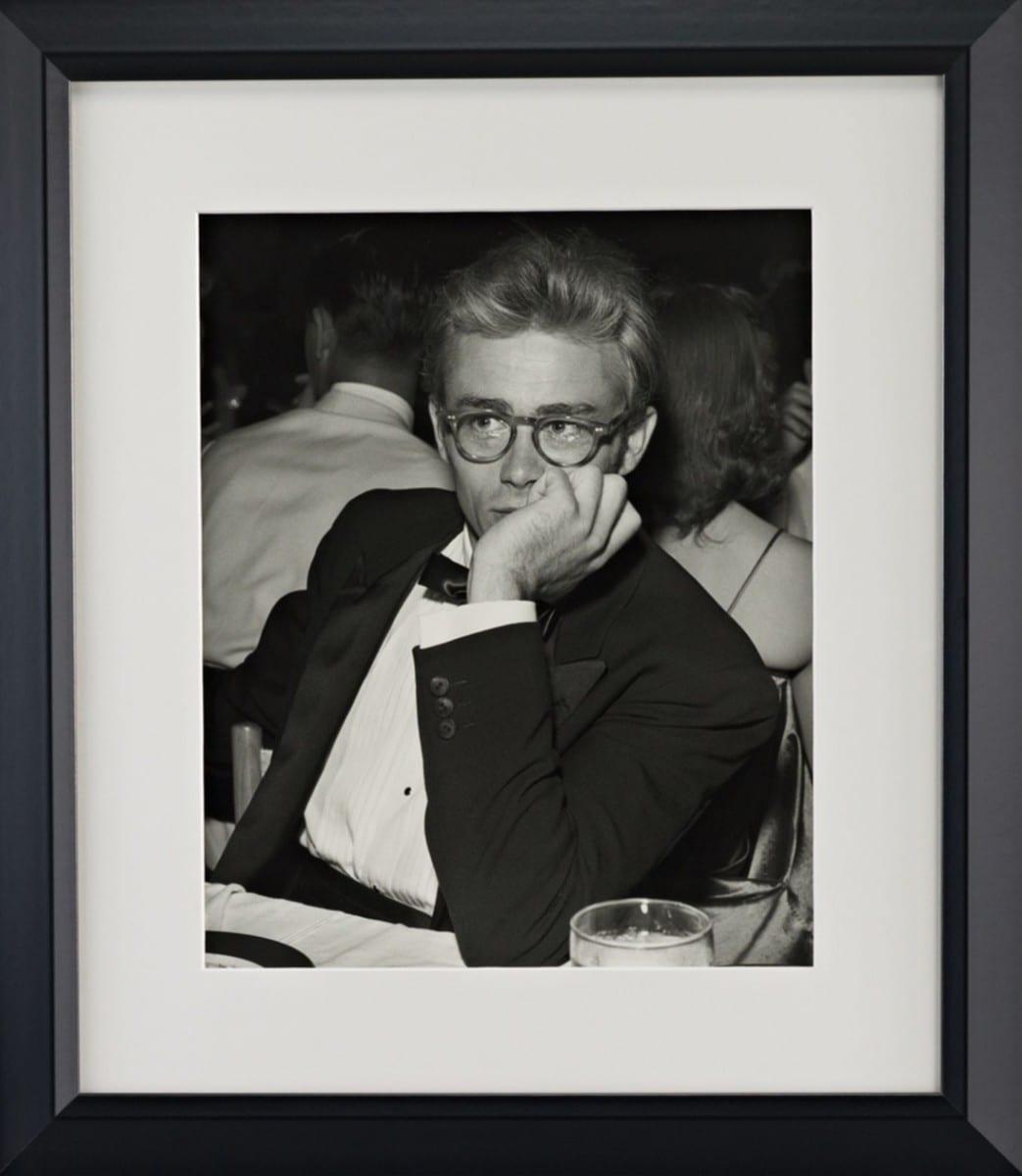 Michael Ochs, James Dean, gelatin silver print on archival fiber paper, 1955 ©Ralph Lauren Home and Getty Images
