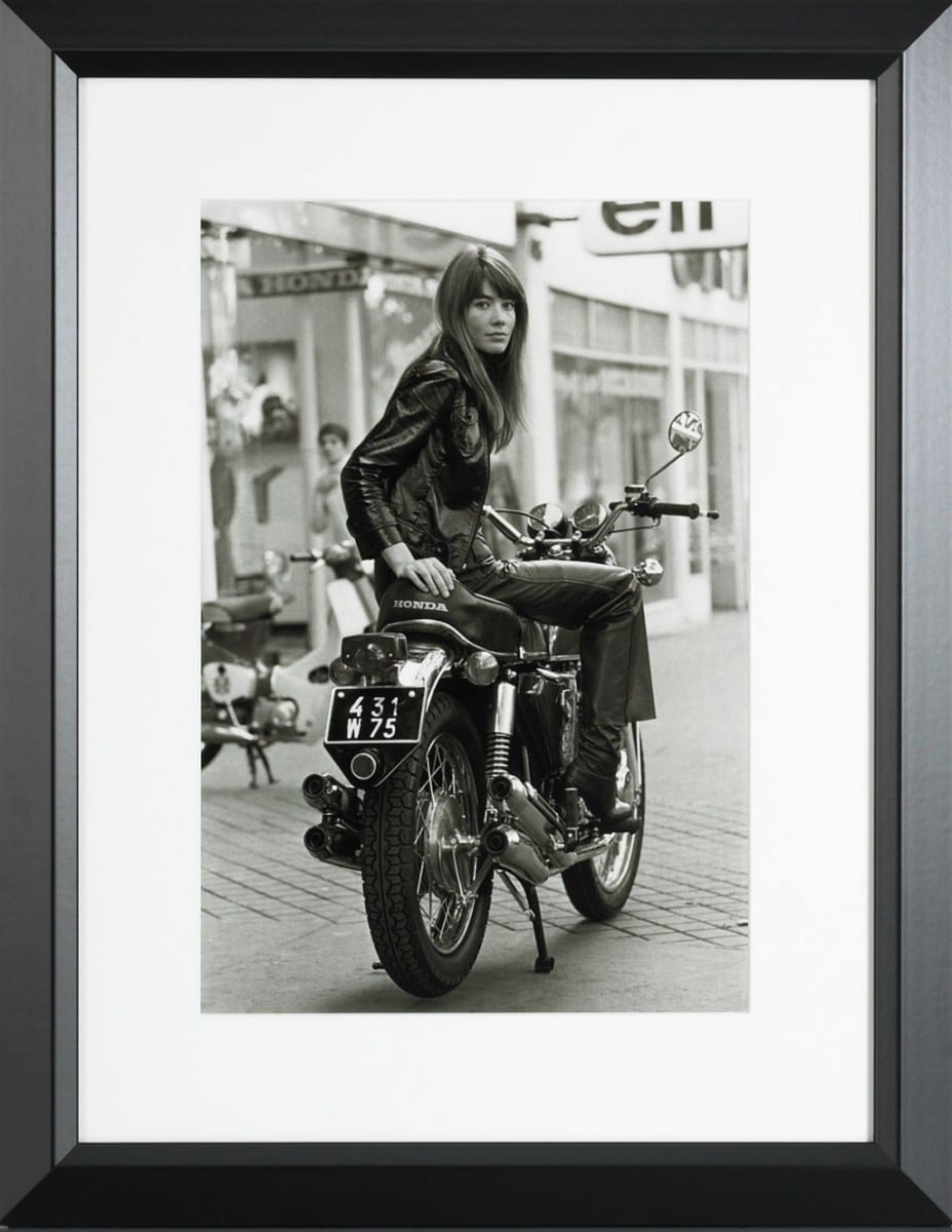 Reg Lancaster, Françoise Hardy, gelatin silver print on archival fiber paper, 1969 ©Ralph Lauren Home and Getty Images