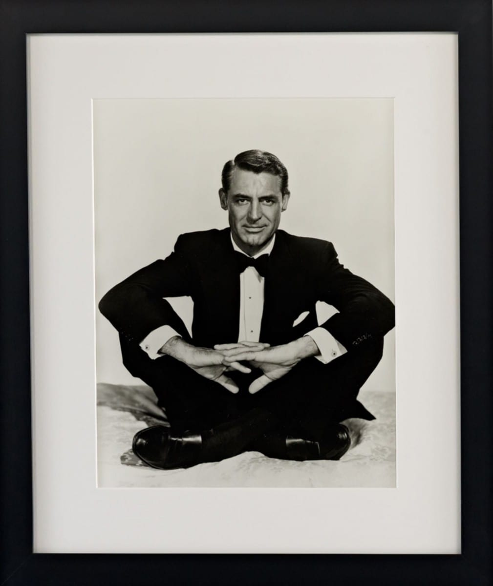 Hulton Archive, Cross-Legged Cary, gelatin silver print on archival fiber paper, 1963 ©Ralph Lauren Home and Getty Images