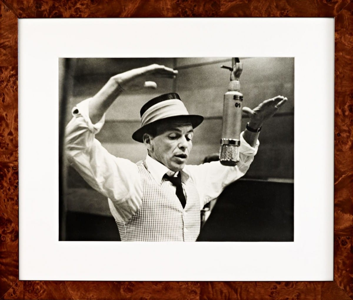 Murray Garrett, Sinatra Recording Session, gelatin silver print on archival fiber paper, 1953 ©Ralph Lauren Home and Getty Images